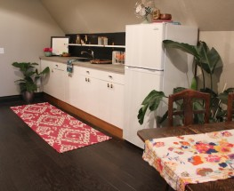 Classic & Chic Kitchenette